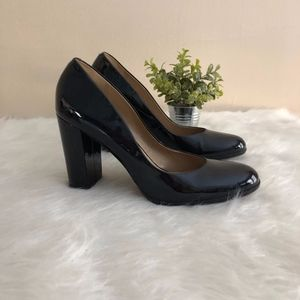 Talbots Navy Heels   Size 11B